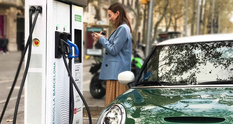 Carga pública de vehículos eléctricos