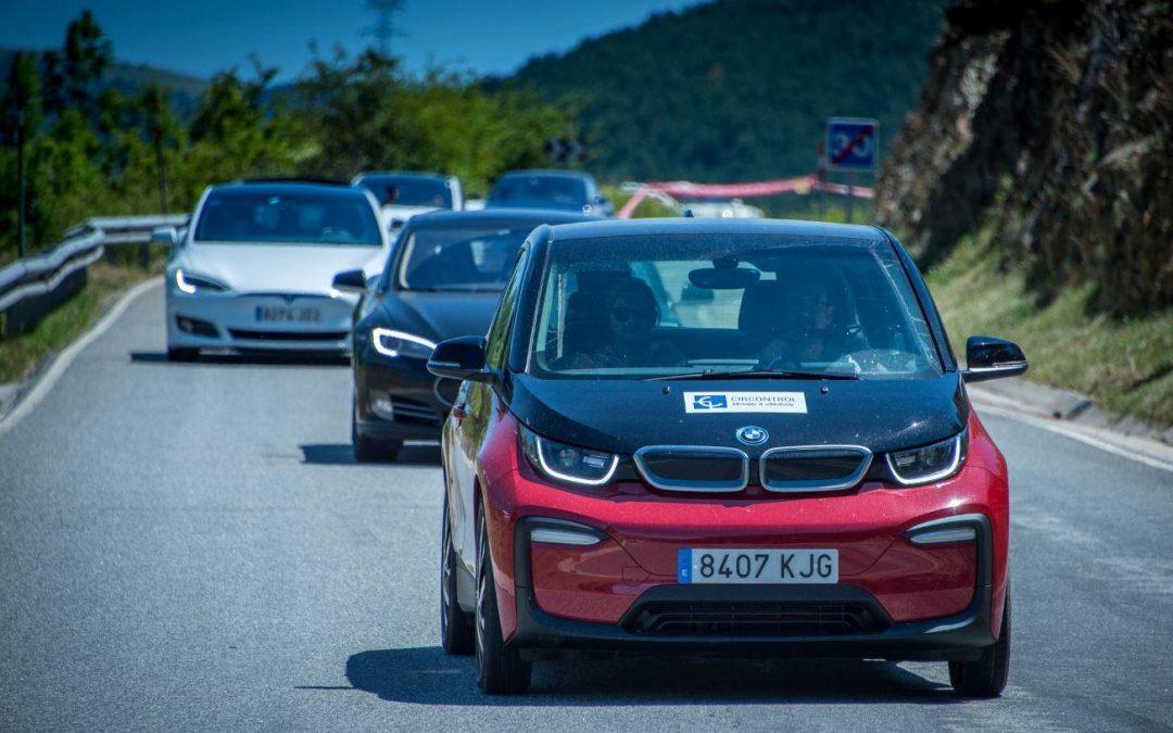 El sistema Master-Slave de Circontrol carga los vehículos eléctricos de la primera EcoTrobada de Alp